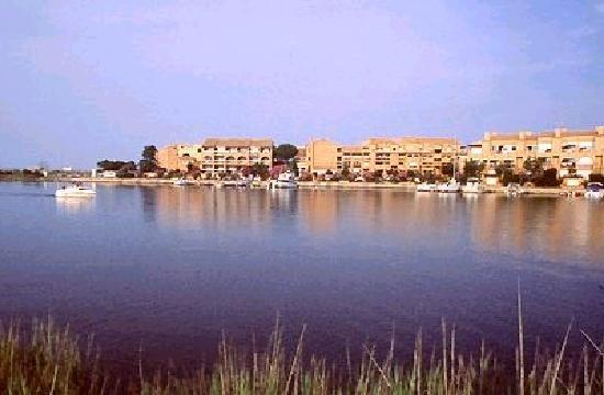 Saint-Cyprien, França: Vue de la résidence hotelière