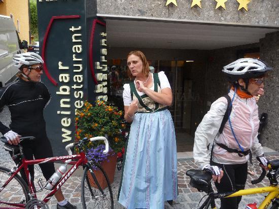 Hotel Montana: Empfang am Hotel