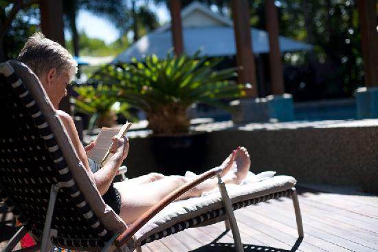 Freestyle Resort Port Douglas: Relaxing by the Pool