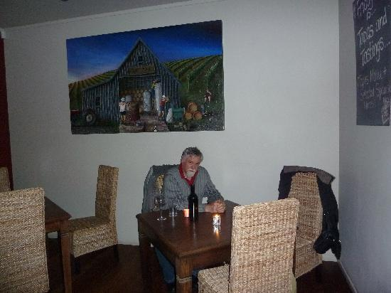 Ake Ake Vineyard Restaurant: Before the lights went out