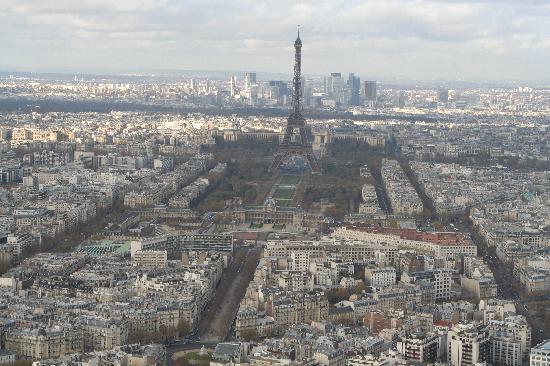 ปารีส, ฝรั่งเศส: Blick vom Tour Montparnasse auf den Eifelturm