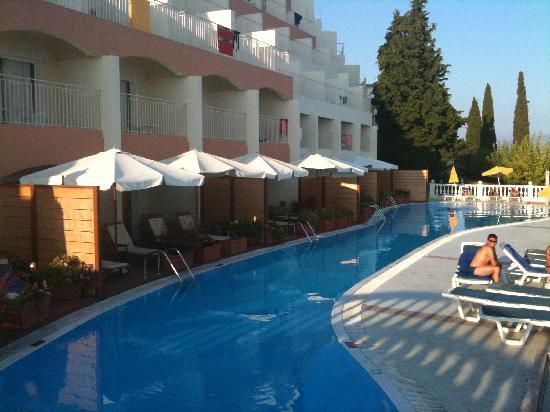 Sunshine Corfu Hotel & Spa : Adult pool with Private Suites on same floor