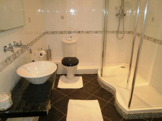 Knapwell Wood Farm Our Huge Modern Bathroom