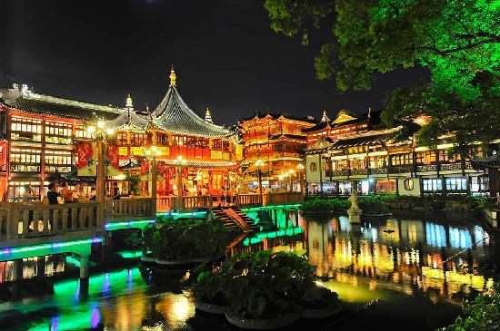 Shanghái, China: yu yuan garden by Steve Strike