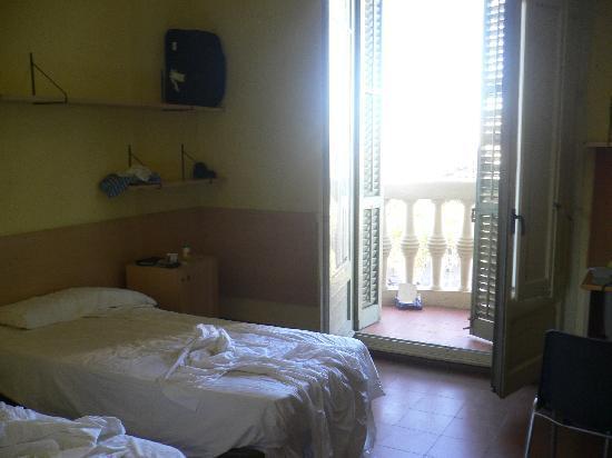 Residencia Universitaria Nikbor: unser zimmer