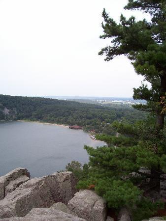 Pinehaven Bed and Breakfast: Devil's Lake Park