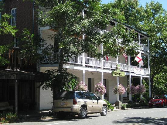 St. George Hotel: front of the St George
