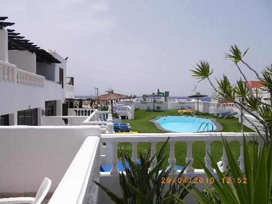 Columbus Apartments Lanzarote : Pool from Terrace