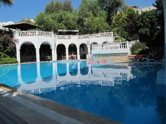 Hotel Altinsaray: swimming pool
