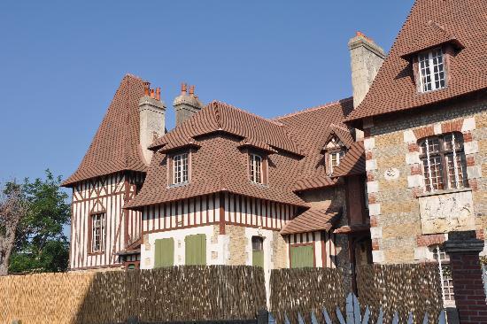 Cabourg, Prancis: ein typisches altes Haus
