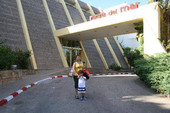 Aparthotel Rosa del Mar: Entrada al Hotel