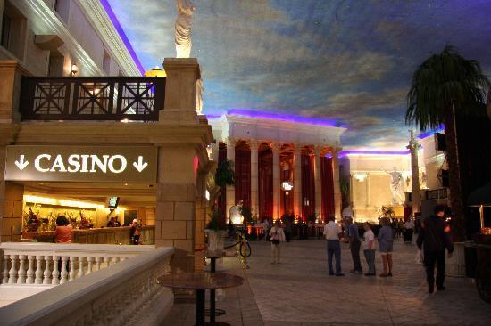 Caesars Atlantic City: Lobby With Front Desk