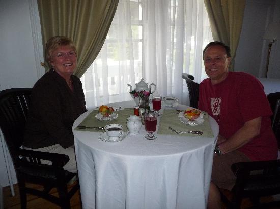The Victoria Inn : Breakfast at the Inn