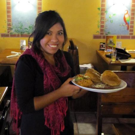 El Palenque Mexican Restaurant: Alie with some fresh Gorditias!