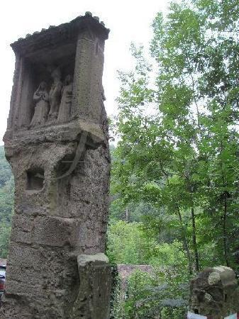 Medieval Double Bridge: the 'praystone'