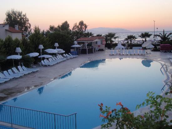 Kusadasi Info | Club Mersin Beach Hotel