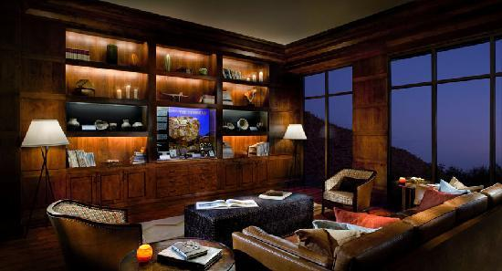 The Ritz-Carlton, Dove Mountain: Ignite Library