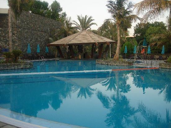 JA Jebel Ali Beach Hotel: pool