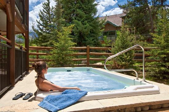 The Corral at Breckenridge: Oversized community hot tubs for a relaxing vacation!