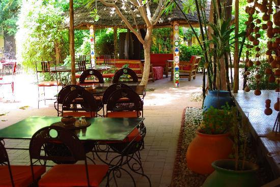 Hotel les Palmiers: terrasse extérieure