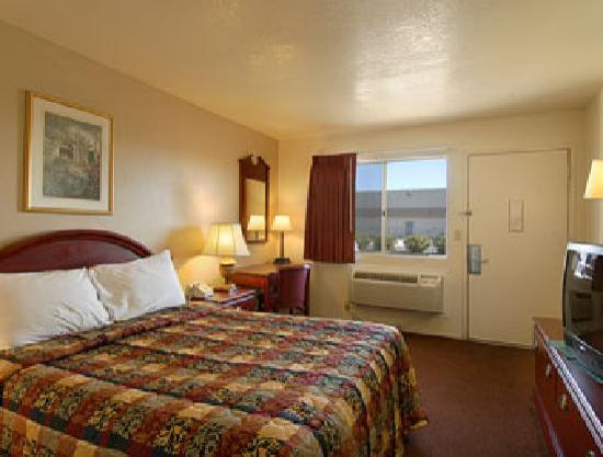 Park Avenue Inn & Suites: Guest room