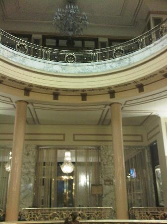 Hotel El Avenida Palace: Foyer