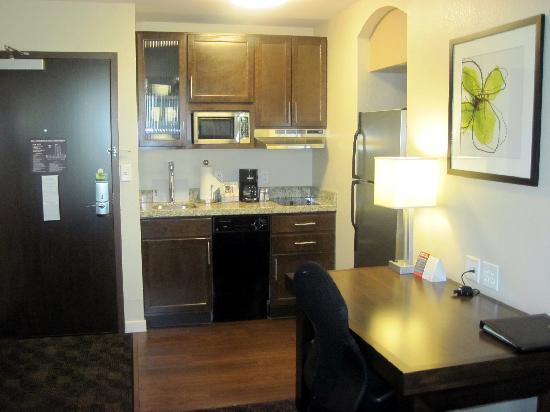 HYATT house Shelton: sweet suite kitchen