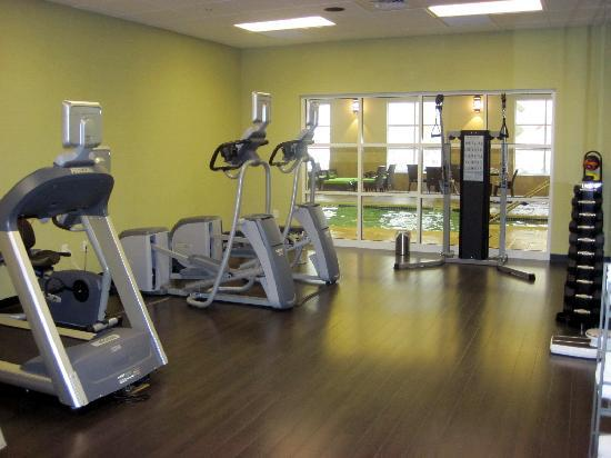 HYATT house Shelton: fitness center -pool in background