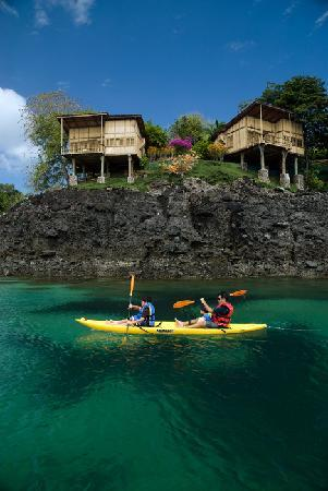 San Jose Island, ปานามา: Kayaking in crystal clear water to private beaches