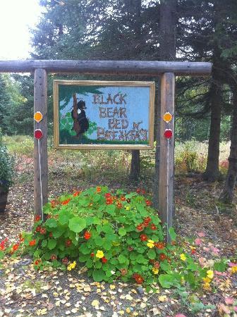 Black Bear Bed & Breakfast: Bed & Breakfast Sign