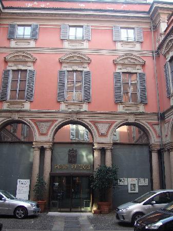 Museo Poldi Pezzoli: ポルディ・ペッツォーリ美術館外観