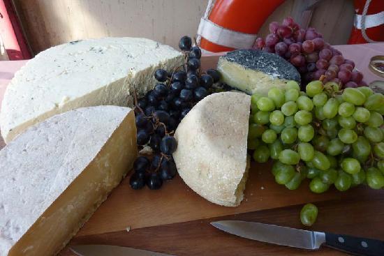 Wine Wise Events: Wine Tasting Cruise Food Treats