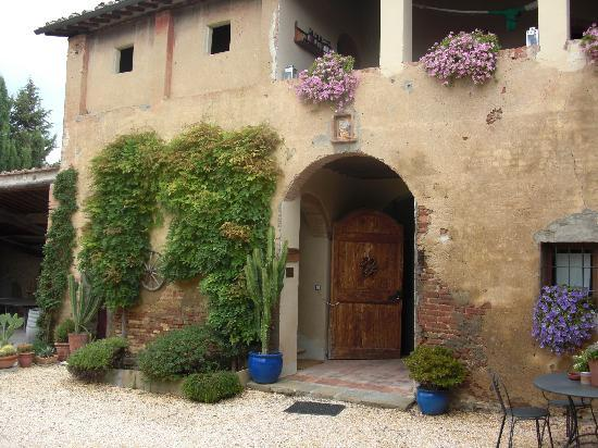 Agriturismo Marciano: Best of both - old but modern updates