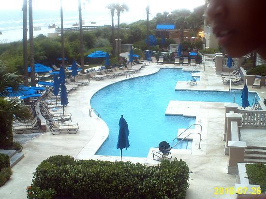Marriott's OceanWatch Villas at Grande Dunes: beach front pool open 24 hrs