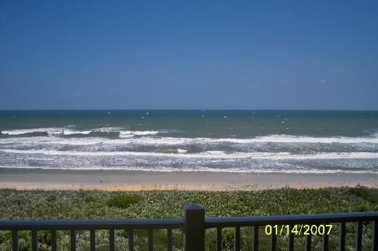 Cinnamon Beach at Ocean Hammock Beach Resort: Front view off balcony