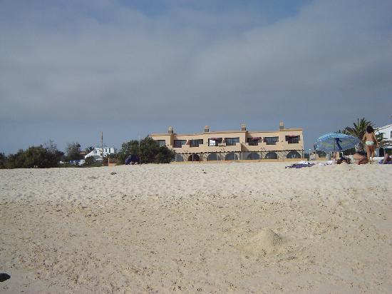 Cotillo Sunset: Blick vom Strand auf die Anlage
