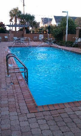 Courtyard Pensacola Downtown: Pool