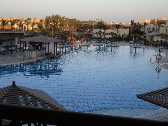 SUNRISE Select Royal Makadi Aqua Resort -Select-: view from our room 37203