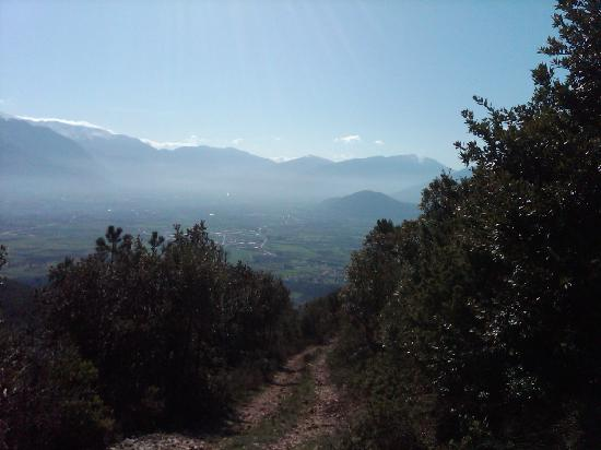 Vittorito, Italien: hiking near the B&B 1