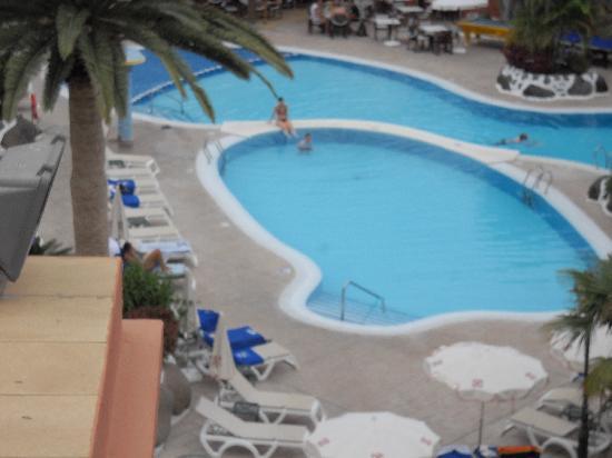 Colon Guanahani - Adrian Hoteles : vue d'une partie de la piscine