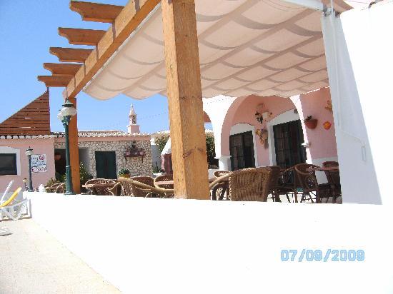 Solar de Mos Hotel: terrace for tasty meals