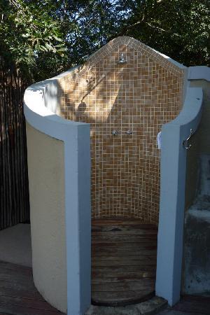 Jock Safari Lodge: Outdoor shower