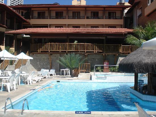 Visual Praia Hotel: bar dans la piscine