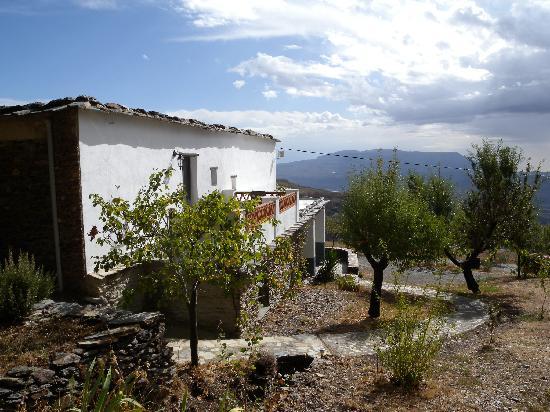Berchules, Spanyol: Die Terasse mit Blick auf Berge und Meer