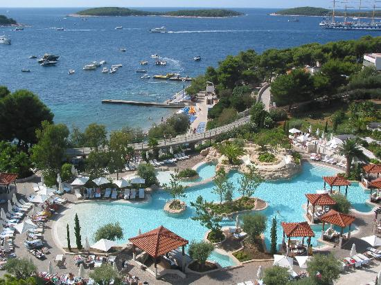 Amfora Hvar Grand Beach Resort Veduta Piscina E Isole Pakleni
