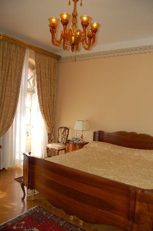 福娜羅麗別墅皇宮酒店照片