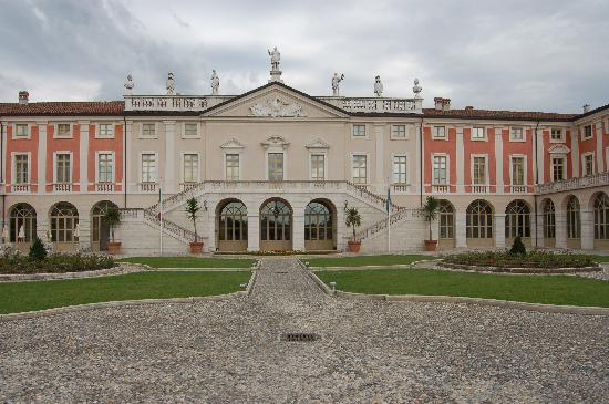 Villa Fenaroli Palace Hotel : View from outside