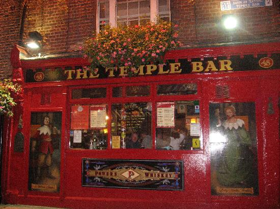 أوكالاهان دافنبورت هوتل: Famous Temple Bar