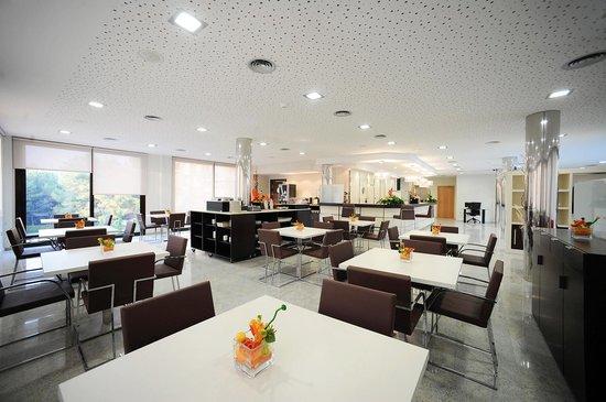 Hotel Desitges: Salón-Restaurante