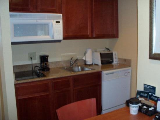 Homewood Suites Dulles - North / Loudoun: Full Kitchen